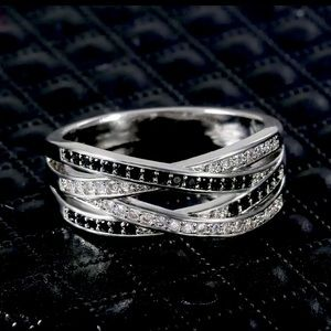 NEW! 925 silver ring size 7